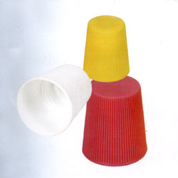 Cap for liquid detergent containers